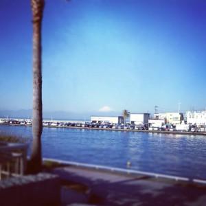 江ノ島から見えた富士山