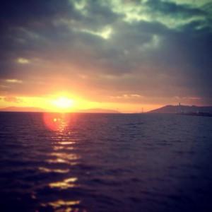 遊覧船から見た夕日